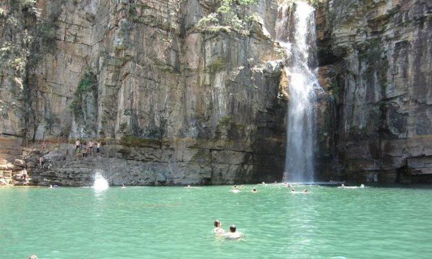 Carrancas, em MG, já foi cenário para diversas novelas e é destino para fã de cachoeira