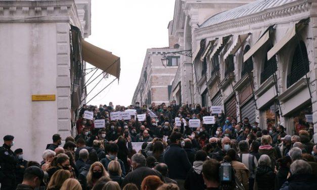 Itália decreta toque de recolher em meio à 2ª onda de Covid na Europa