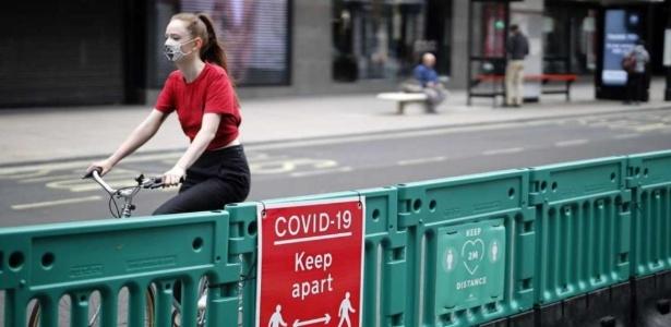 """Europa vive """"explosão"""" de casos de covid-19, diz diretor da OMS"""