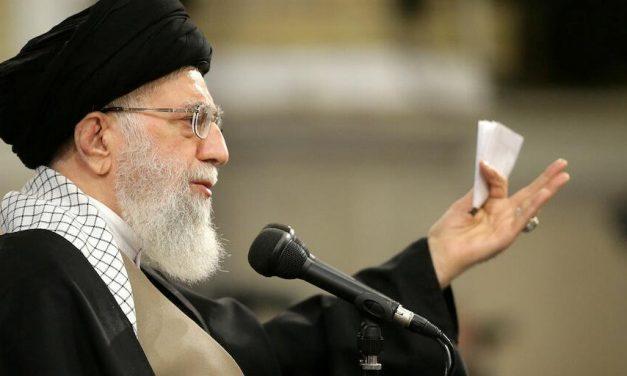 Líder supremo do Irã ironiza eleições americanas: 'Que espetáculo'