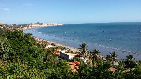 Icapuí, no Ceará, é terra da lagosta e oferece falésias, dunas e piscinas como atrações naturais