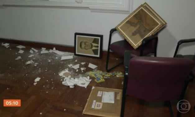 Prédio da Associação Paulista de Imprensa é invadido e furtado