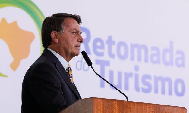 Bolsonaro diz que 'quando acabar a saliva, tem que ter pólvora': veja memes