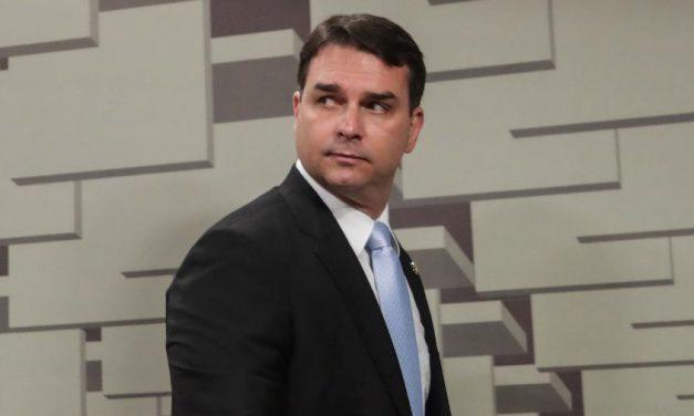 Lewandowski envia à PGR ação sobre reunião entre Flávio Bolsonaro e GSI