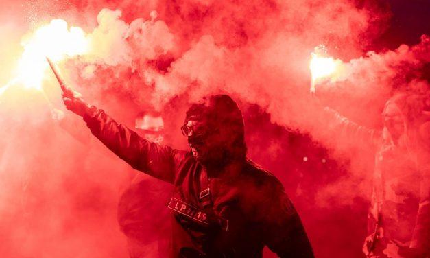 Mais de 300 são presos após confrontos de extrema-direita em Varsóvia