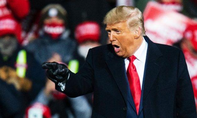 Trump volta a escrever que ganhou eleições, e Twitter faz advertência