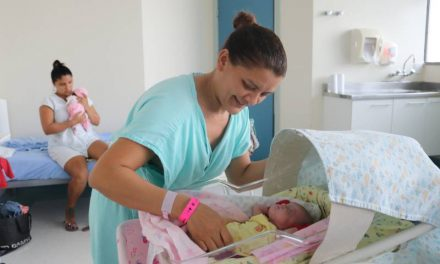 Santa Casa do Pará implanta protocolo de manuseio mínimo de recém-nascido