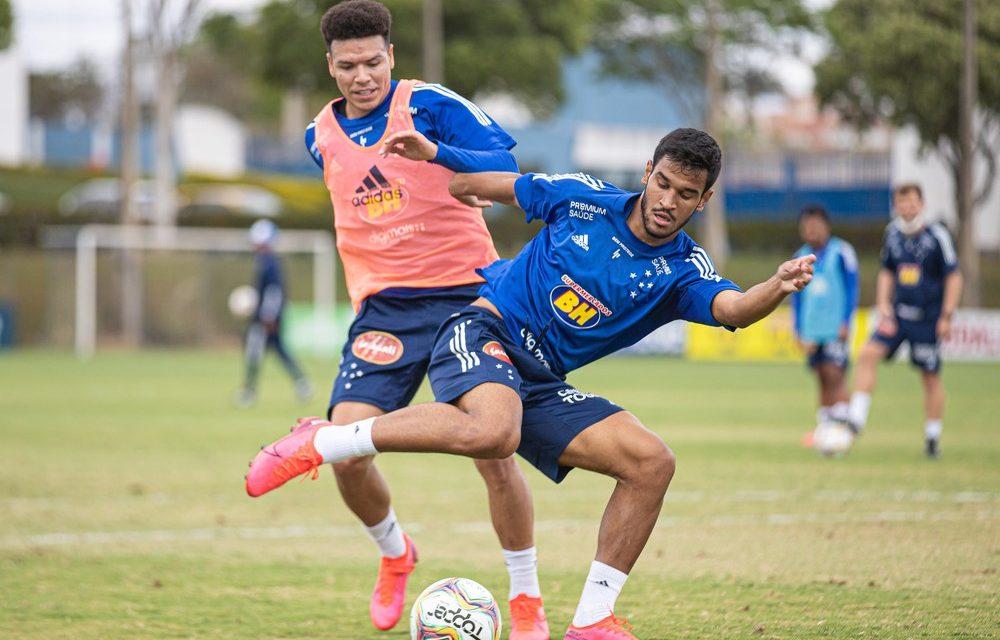 """Cruzeiro 2020 é marcado por """"vai e vem"""" de jogadores e time ainda sem identidade"""