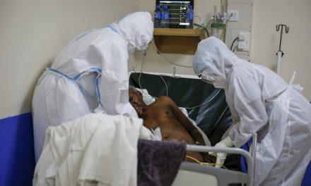 Mundo registra novo recorde de mortes por Covid; África ultrapassa 2 milhões de casos