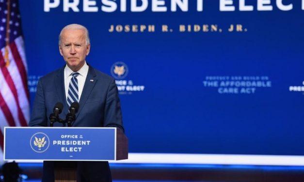 """Biden denuncia a """"incrível irresponsabilidade"""" de Trump"""