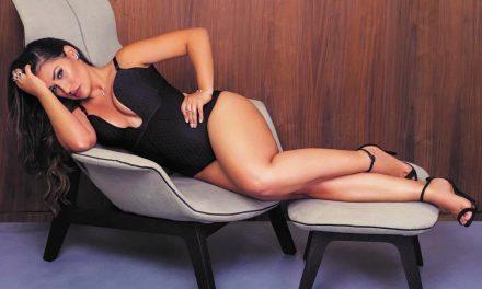 """Simaria sensualiza em selfie com body cavado e deixa curvas à mostra: """"Perfeição"""""""