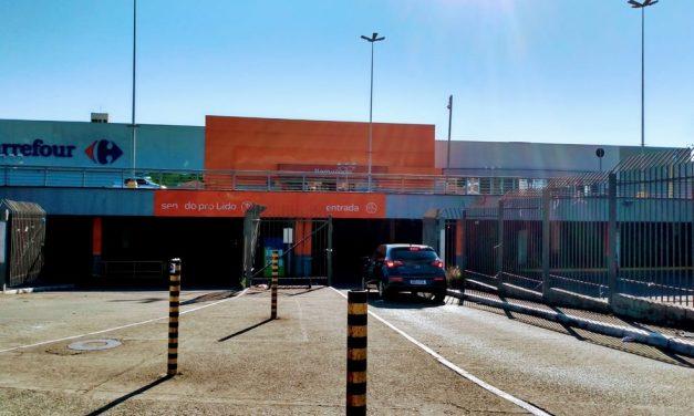Carrefour reabre pela primeira vez após morte de João Alberto em Porto Alegre