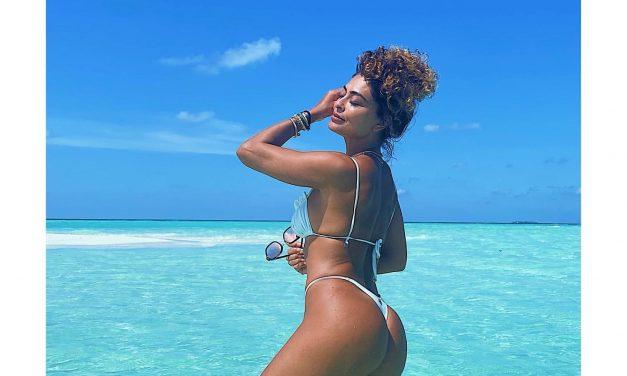 De biquíni, Juliana Paes esbanja boa forma nas Maldivas e leva fãs à loucura