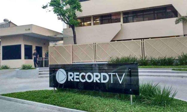 Record enfrenta surto de Covid-19 e demite funcionários afastados