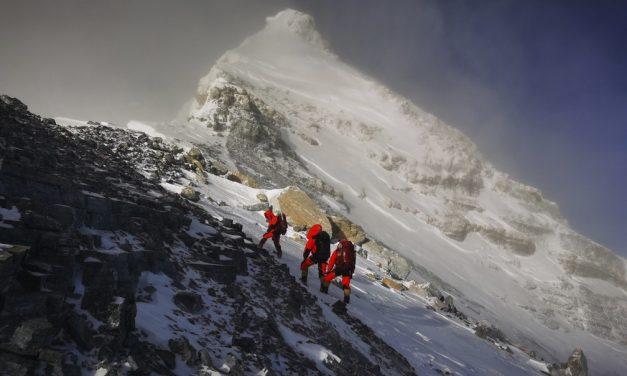 China e Nepal entram em consenso sobre a altura do Monte Everest; ele é ainda mais alto do que se achava
