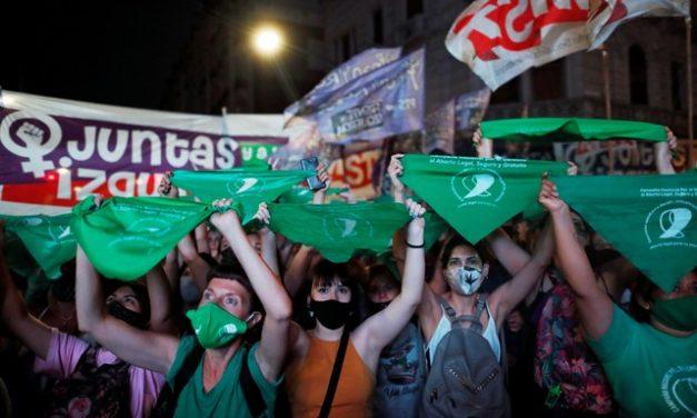Câmara dos Deputados da Argentina aprova descriminalização do aborto; projeto segue para o Senado