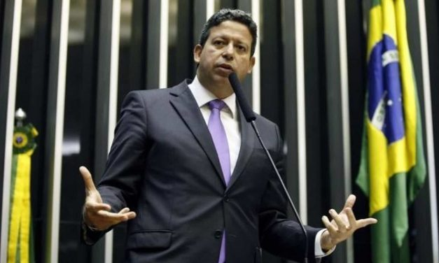 PSB decide vetar apoio à candidatura de Lira na Câmara