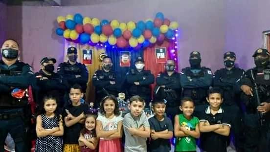 PM é convidada especial de aniversário infantil em Ananindeua