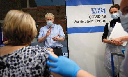 Reino Unido entra em nível máximo de risco de contaminação pela covid-19