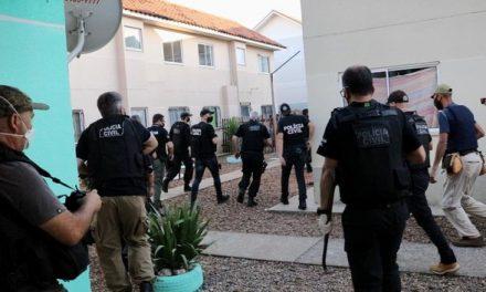 Polícia prende suspeitos de expulsar 50 famílias de conjunto habitacional da Grande Porto Alegre