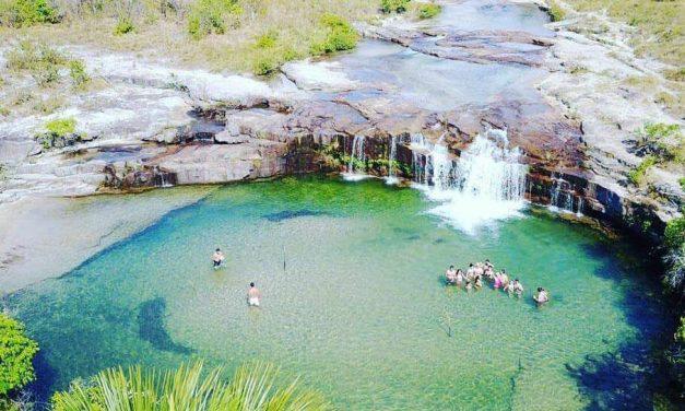 Caiapônia, em Goiás, tem cartão-postal que chama a atenção já da estrada e cachoeiras para relaxar ou descer de rapel