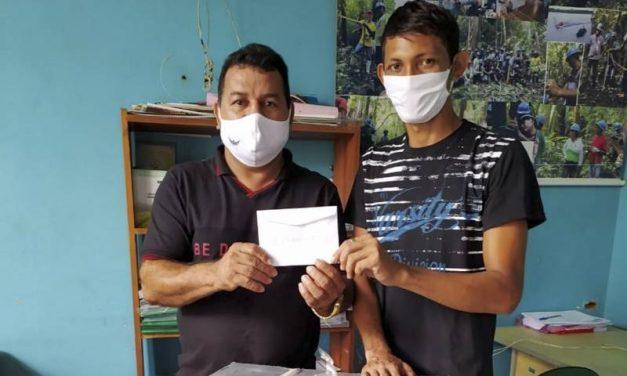 Emater entrega kits de EPIs e motores de rabeta em Melgaço, no Marajó