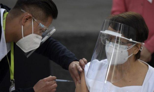Enfermeira mexicana é a primeira vacinada contra covid-19 na América Latina