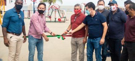 Prefeitura entrega academia ao ar livre no Caripi