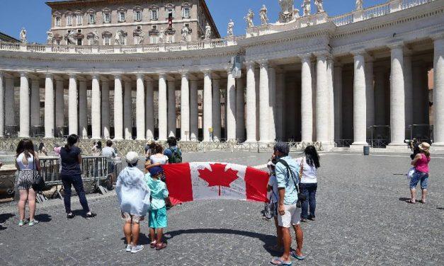 Vaticano começa campanha de vacinação em meados de janeiro
