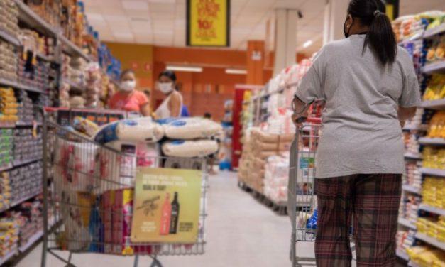 Inflação dos mais pobres acumula alta de 6,30% em 2020, aponta FGV