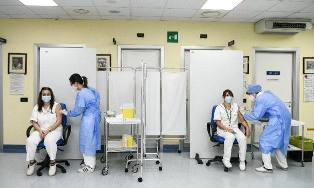 Itália supera marca de 320 mil vacinados contra covid-19