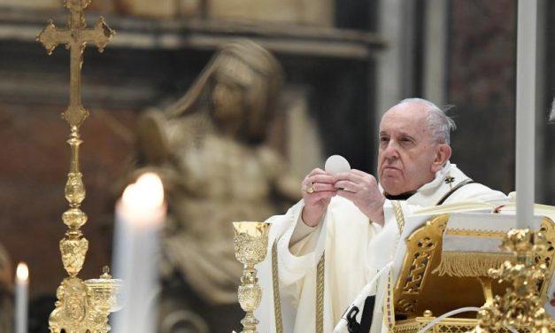 Papa Francisco diz que se inscreveu para tomar vacina contra a covid-19
