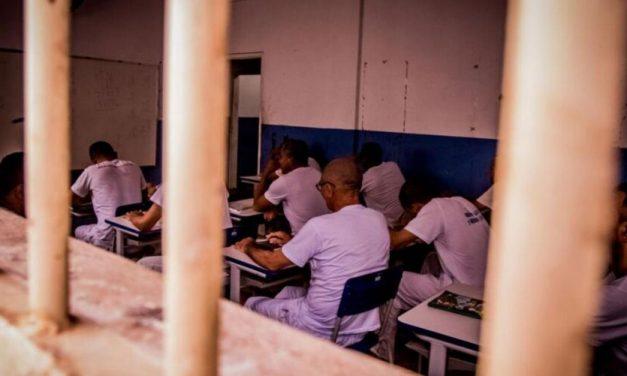 Seap garante material pedagógico para reforço escolar dos internos que farão o Enem
