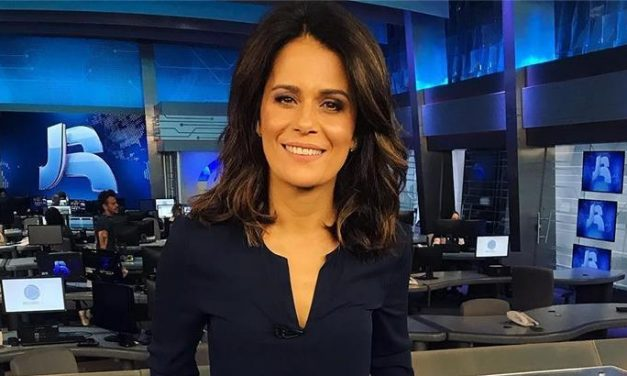 Adriana Araújo deixará Record após crítica a Bolsonaro