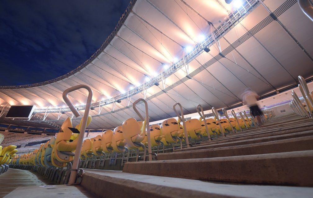 Paes recua e diz que vai revogar público em estádios
