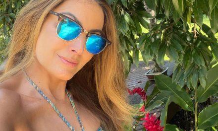 """Patrícia Poeta recebe elogios de fãs ao posar de biquíni em meio a natureza: """"Gata demais"""""""