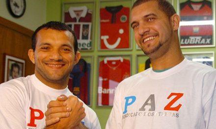"""Ídolos bicolores, Iarley quer nova vitória e Sandro faz pedido: """"Deem a vida, meus amigos"""""""