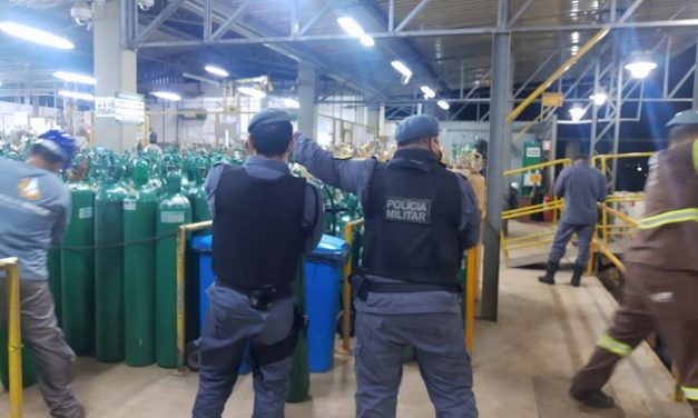 Manaus recebe cilindros de oxigênio de São Paulo e de empresa fornecedora