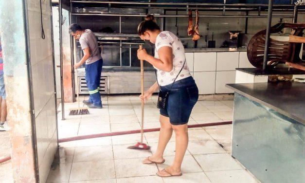 Mercado municipal ganha ação de limpeza