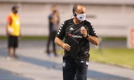 Surto no Baenão: Remo confirma que Paulo Bonamigo e seis jogadores estão com Covid-19
