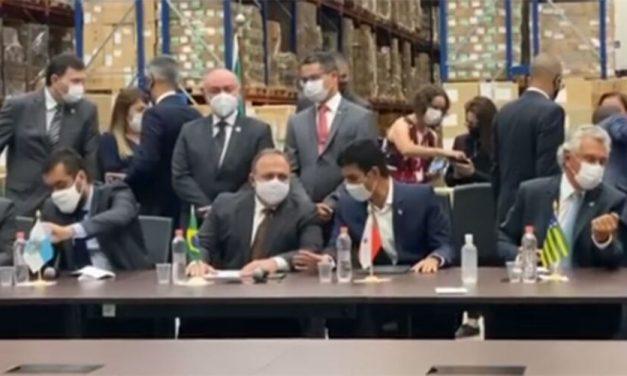 Helder participa de reunião em São Paulo para receber vacinas para o Pará