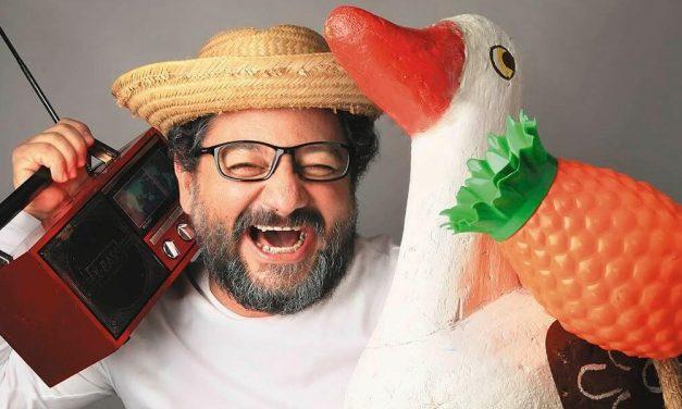 Morre Cláudio Rendeiro, intérprete do personagem Epaminondas Gustavo, vítima da covid-19
