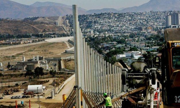 Quanto se construiu de 'muro de Trump' com o México que Biden mandou parar no 1º dia de mandato