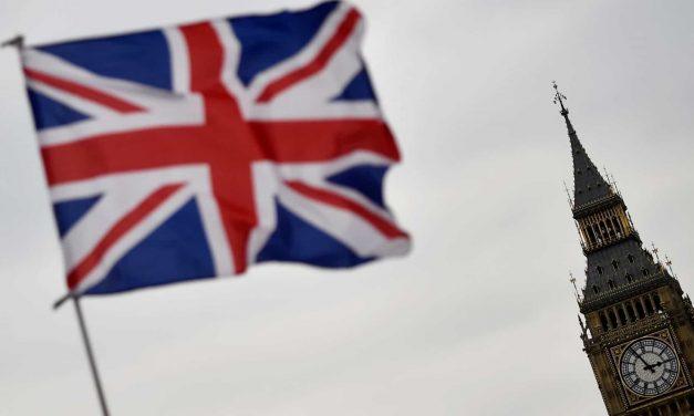 Desemprego sobe 5% no Reino Unido devido à pandemia