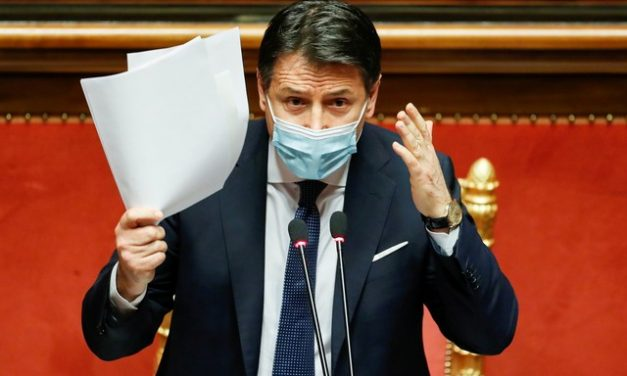 Primeiro-ministro da Itália renuncia