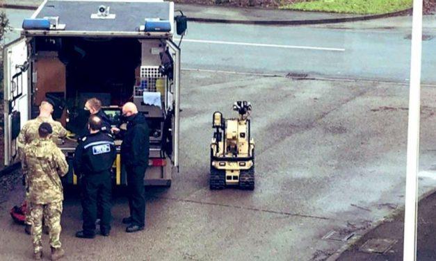 Reino Unido: fábrica de vacina contra covid tem alerta de bomba