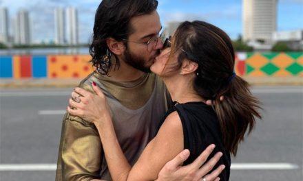 "Túlio Gadêlha beija Fátima Bernardes: ""A gente manda brasa no Carnaval"""
