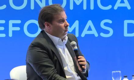 Maia volta a criticar Weintraub: 'Ministro da Educação atrapalha o Brasil' e é um 'desastre'