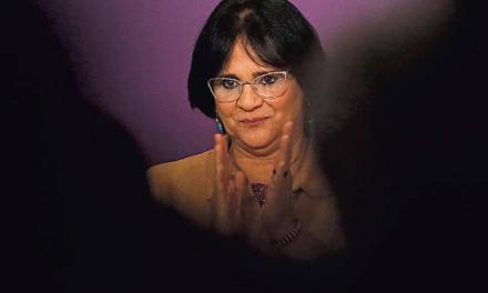 Ministério de Damares defende que início precoce da vida sexual leva à delinquência
