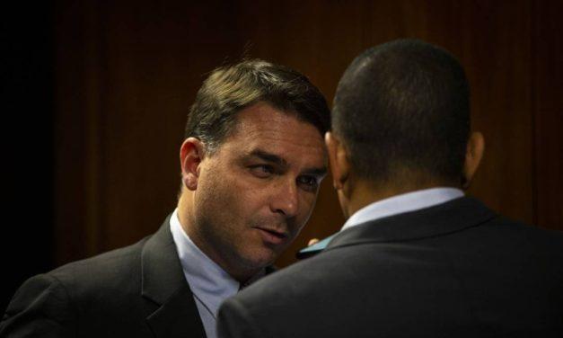 PF descarta lavagem de dinheiro em negociações de imóveis feitas por Flávio Bolsonaro, diz jornal